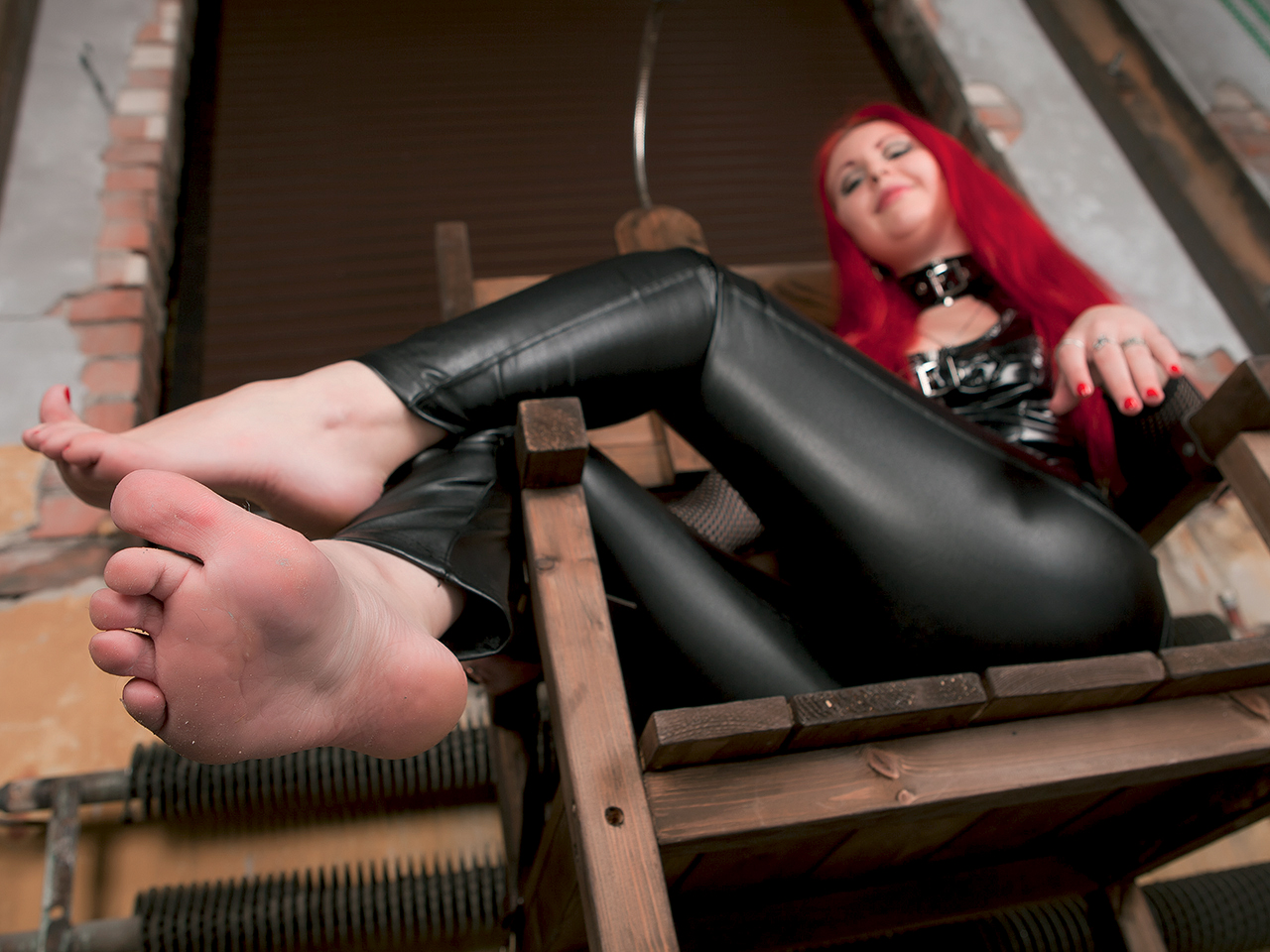 dom Foot fetish
