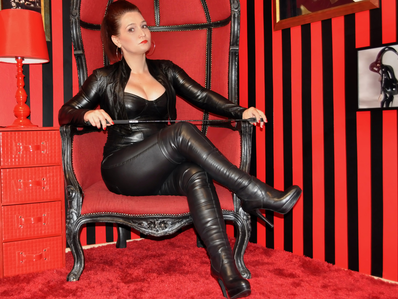 Bdsm toys for dominant women to dominate your submissive male