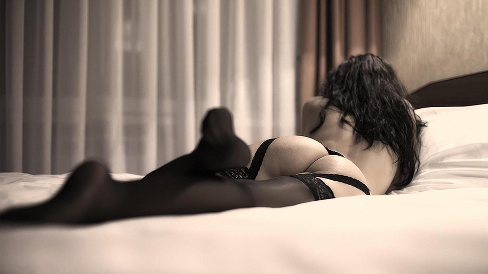 Swimsuit Rihanna Goes Nude Photos